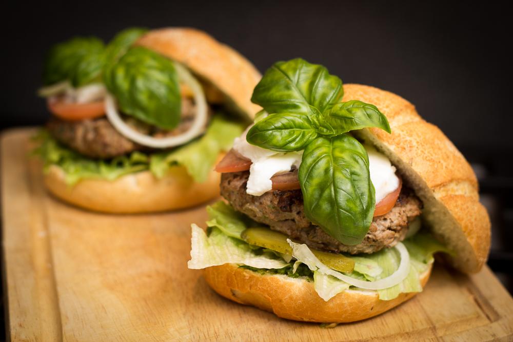 Tofu smaakt heel anders dan gewoon gehakt? Wacht maar tot je mijn hybride hamburger hebt geproefd!