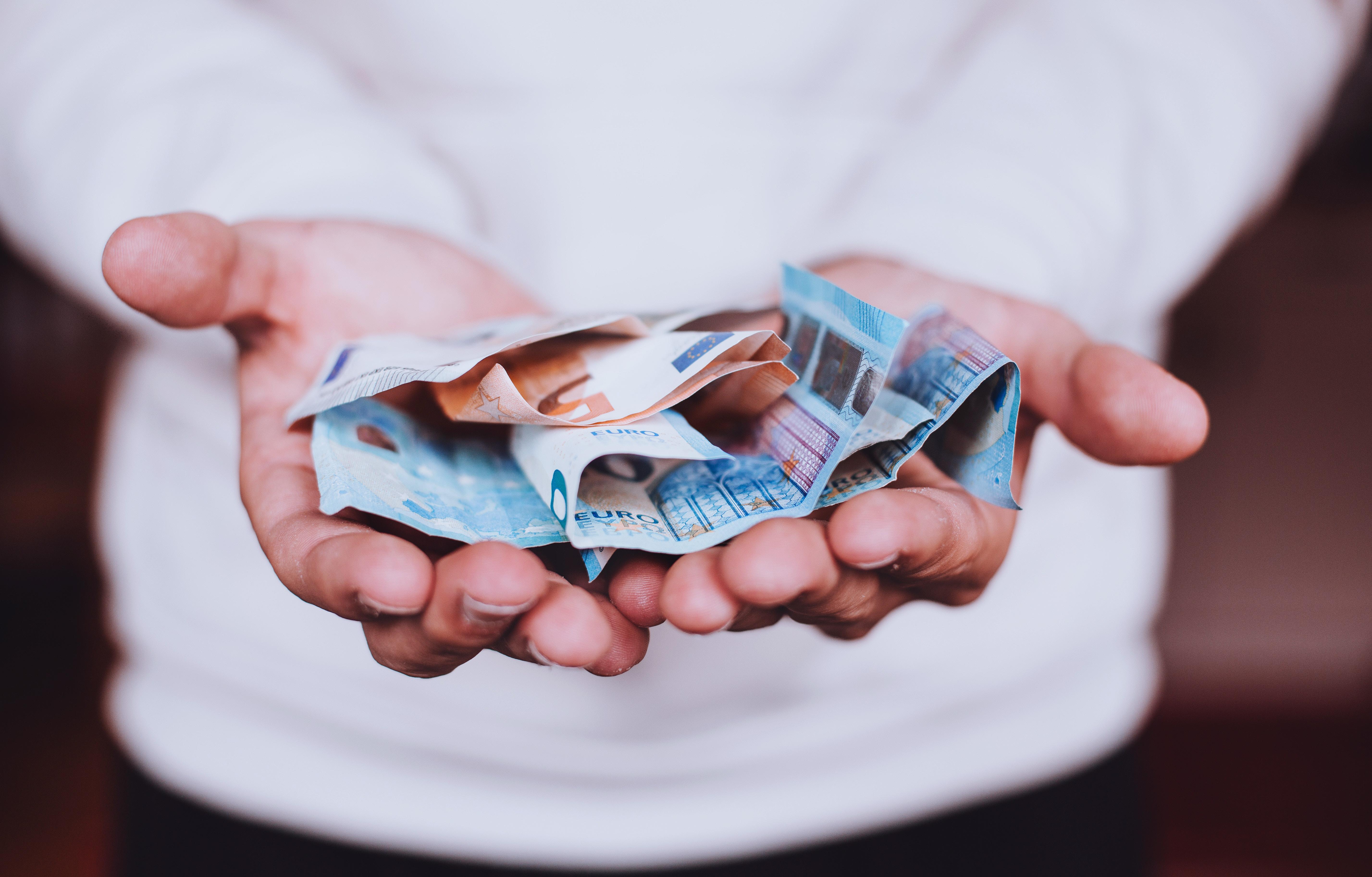 Verbeter De Wereld, Begin Bij Jezelf: Stap Vandaag Nog Over Naar Een Duurzame Bank!